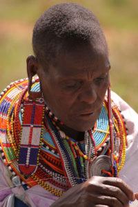 Il-Nwesi-Woman-Beading